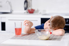 Young boy waiting patiently for his lunch Royalty Free Stock Photos