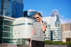 Young business woman speaking on the phone Royalty Free Stock Photos