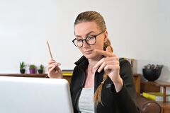 Free Young Business Woman Student Teacher Tutor Coach Psychologist Laptop, Learn Teach In Online Chat. Online Teaching Stock Photo - 185244950