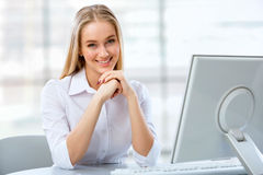Young business woman using computer at office Royalty Free Stock Images