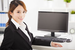 Young  business woman working in the office Royalty Free Stock Photo
