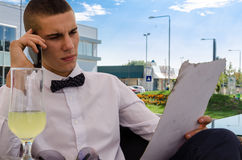 Young businessman talking on the phone Stock Photography