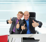 Young businessman using a laptop Royalty Free Stock Photos