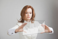 Young businesswoman working with graph Royalty Free Stock Images