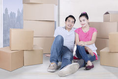 Young couple buying a new apartment Royalty Free Stock Photos