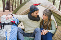 Young couple camping in the wilderness Royalty Free Stock Photography