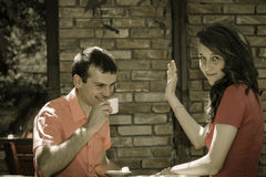 Young couple drinking coffee Royalty Free Stock Photography