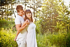 Young couple embrancing Royalty Free Stock Photos