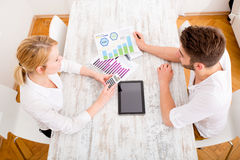 Young couple and financial planning Royalty Free Stock Images