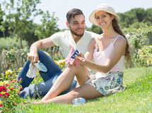 Young couple gardening Royalty Free Stock Photography