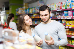 Young couple at grocery Royalty Free Stock Photo