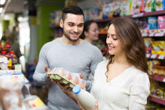Young couple at grocery Stock Photography