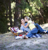 A young couple having a picnic Royalty Free Stock Photography