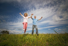 Young couple jumping Royalty Free Stock Images