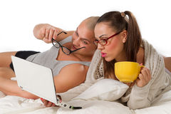 Сouple with laptop Royalty Free Stock Photos