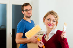 Young couple moving in new home Royalty Free Stock Photos