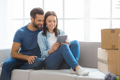 Young couple moving to a new apartment together relocation Royalty Free Stock Photos