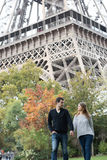 Young couple in Paris Royalty Free Stock Images