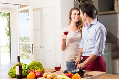 Young Couple Preparing Lunch Royalty Free Stock Photos