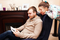 Young couple  reading book Royalty Free Stock Photos