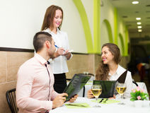 Young couple at restaurant Royalty Free Stock Photos
