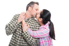 Young couple sharing a romantic kiss Royalty Free Stock Photos
