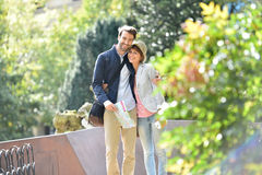 Young couple of tourists travelling and visiting Royalty Free Stock Images
