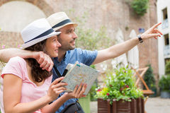 Young couple of tourists visiting city Royalty Free Stock Image