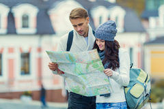 Young couple travels Royalty Free Stock Photos