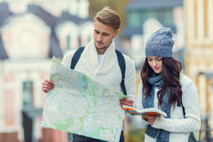 Young couple travels Royalty Free Stock Photo