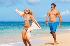 Young Couple on Tropical Beach Royalty Free Stock Photography