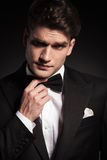 Young elegant man lifting an eyebrow Royalty Free Stock Images