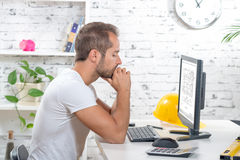Young executive working with his computer Royalty Free Stock Photos
