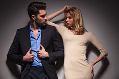 Young fashion couple looking at each other Royalty Free Stock Photography