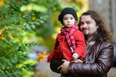 Young father and his toddler girl in autumn Royalty Free Stock Photography