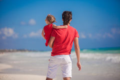 Young father with little girl look at the sea Stock Photography