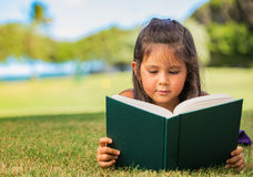 Young Girl Reading Stock Photography