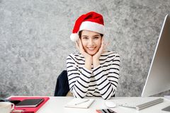 Young girl shopping on christmas day or xmas sale time. Royalty Free Stock Photos