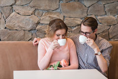 Young happy couple on a romantic date Royalty Free Stock Photography