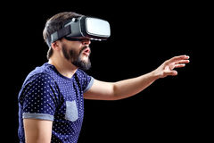 Young happy man experiencing virtual reality Royalty Free Stock Photos