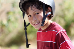Young hot active skateboarder Royalty Free Stock Photography