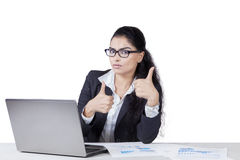 Young indian employee with thumbs up Royalty Free Stock Photos