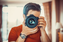 Young man photographer Royalty Free Stock Photography