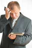 Young man with tablet pc Royalty Free Stock Images