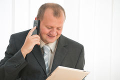 Young man with tablet pc Royalty Free Stock Photos