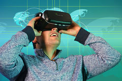 Young Man Using Virtual Reality Glassess Royalty Free Stock Photos