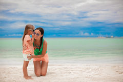 Young mother and her adorable little daughter have Stock Images