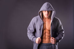 Young muscular man in dark glasses. Royalty Free Stock Photography