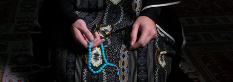Young muslim woman pray in mosque Stock Photography