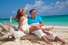 Young outdoor fashion portrait of beautiful couple on vacation Stock Photography